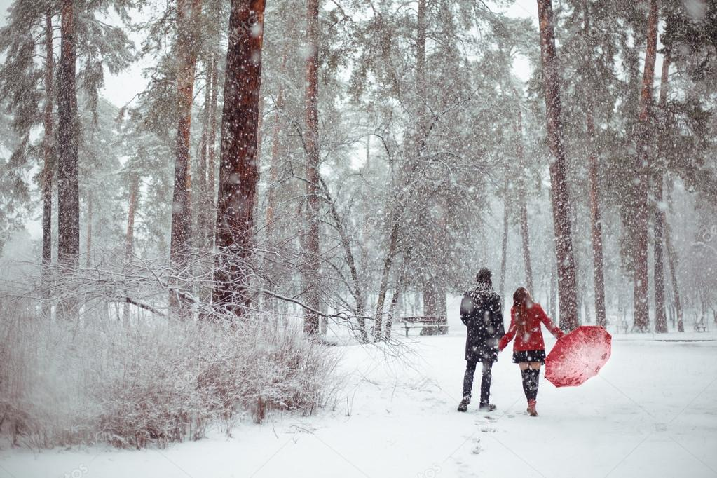 depositphotos_101498990 stock photo winter love story in red