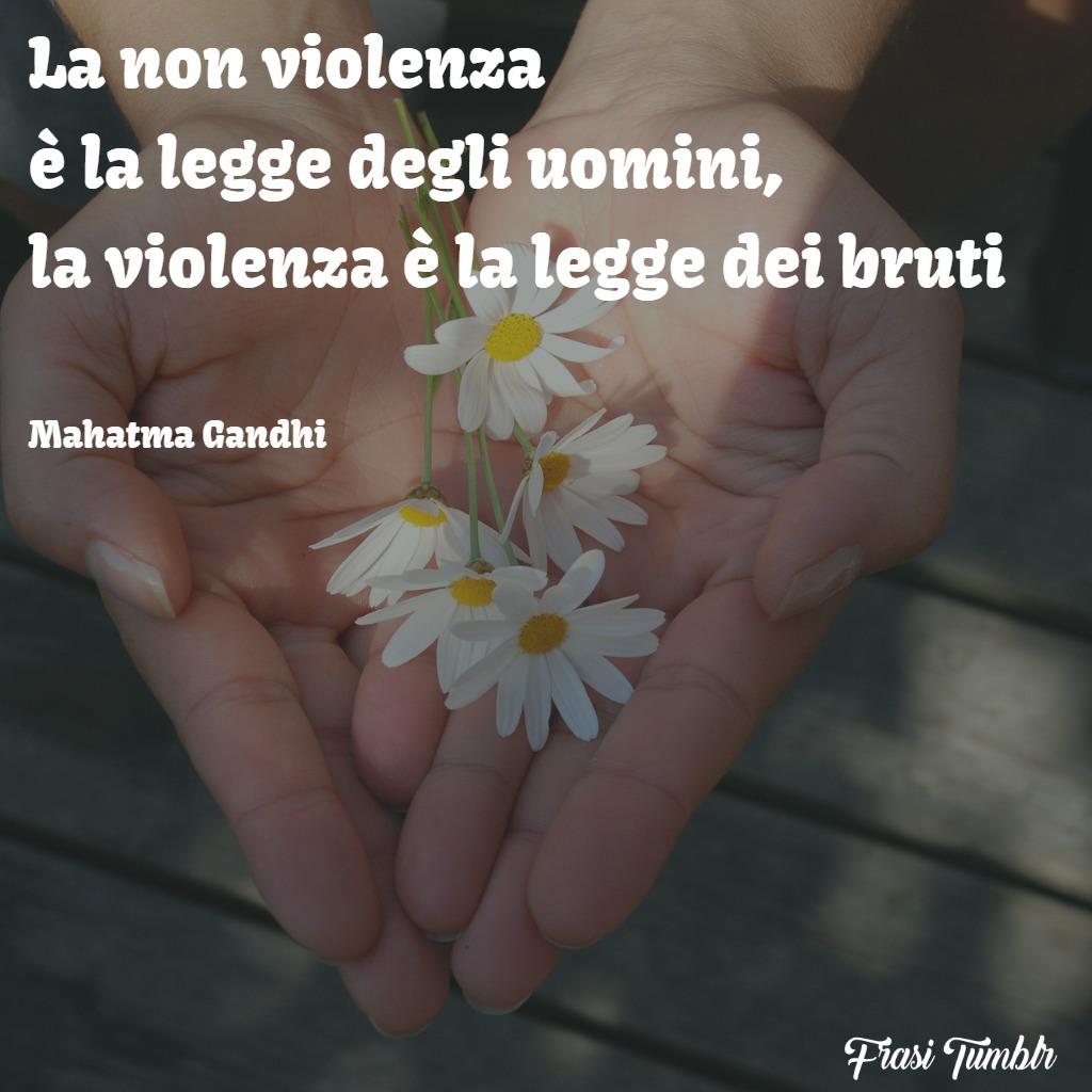 frasi-violenza-gandhi-legge