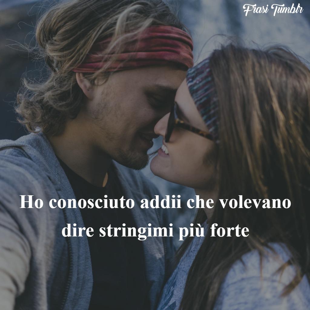 frasi-tristi-amore-addii-stringimi