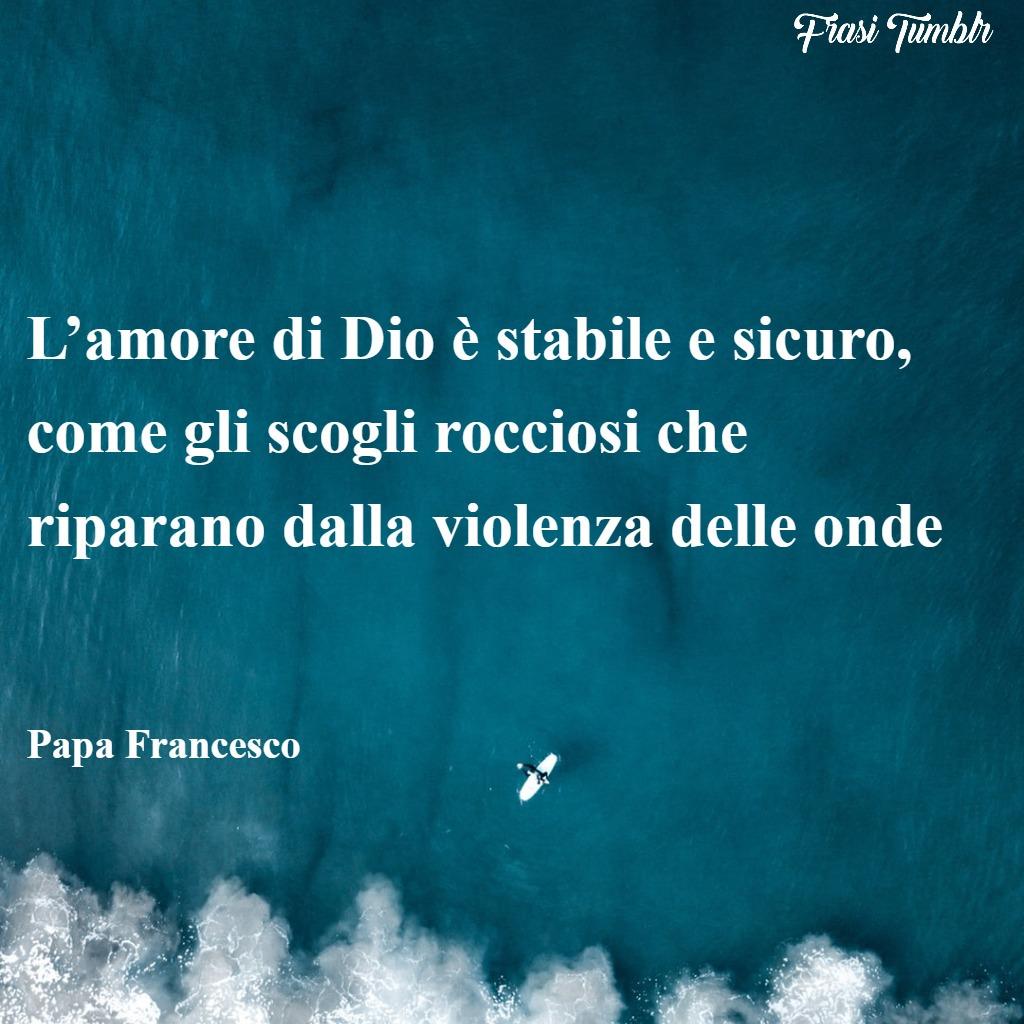 frasi-papa-francesco-amore-umiltà-coraggio-mare-scogli-violenza-onde
